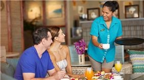 Voyager 47 Club Lounge Services at Outrigger Waikiki Beach Resort, Honolulu